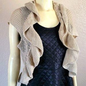 Body Central tan knit vest sweater S